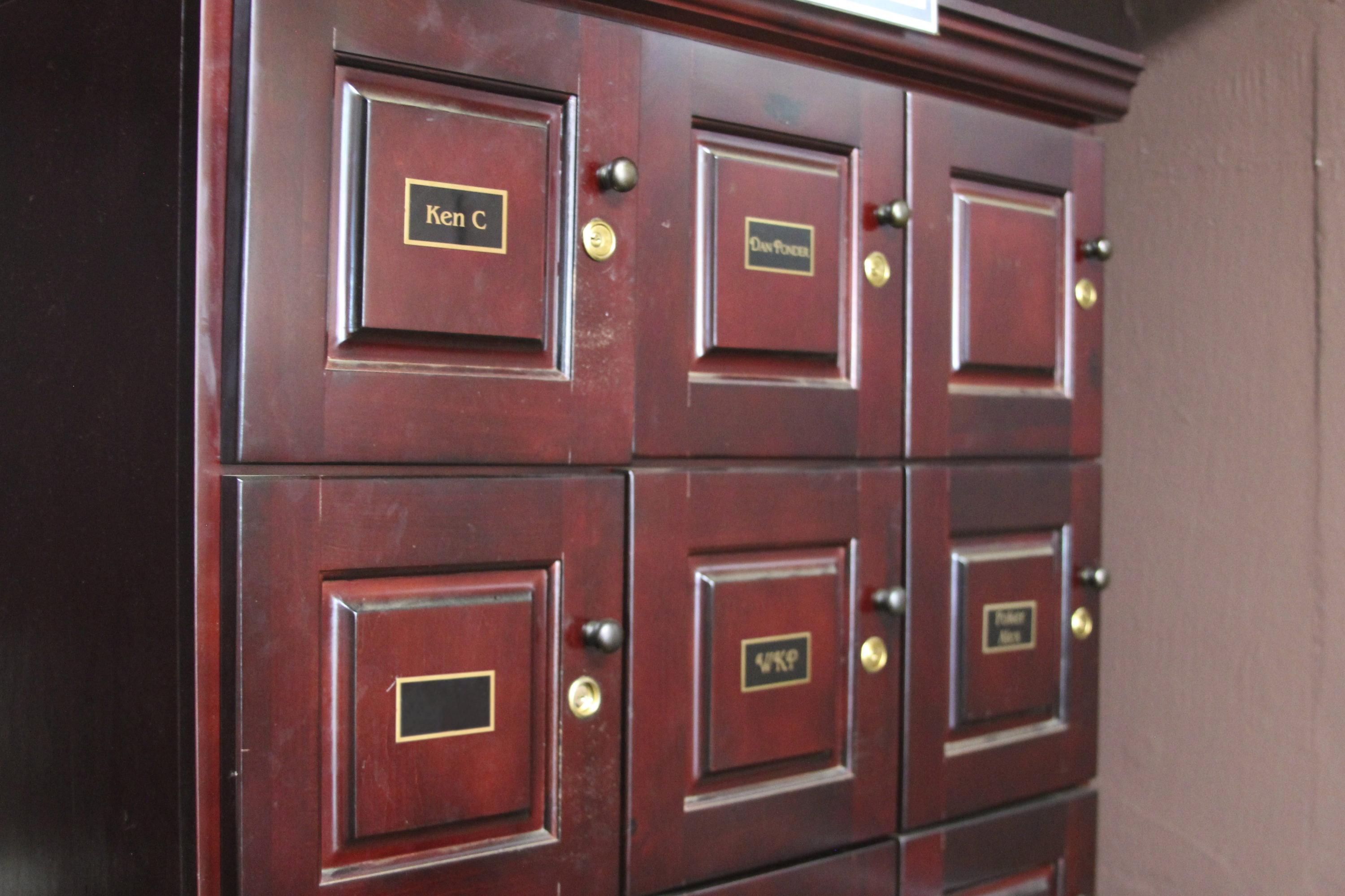 Store your cigar and other belongings in a personalized cigar locker.